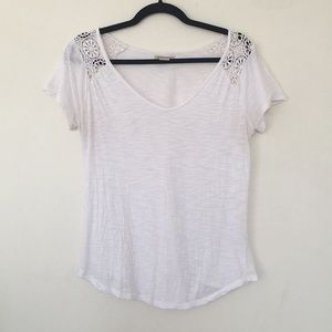 White Lucky Brand V Neck T Shirt W/ Lace Detail S